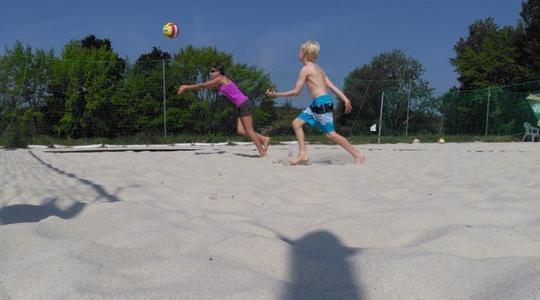 Zatrénuj si s Beach Service zdarma 4. a 10. září na pražské Gutovce